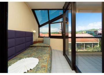 Стандарт 3-местный с балконом